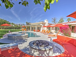 Palm Desert Home w/Pool & Patio - Walk to El Paseo