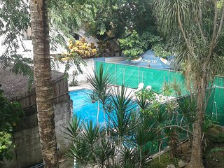 Apartment 2 blocks from 5th ave, balcony & pool, Playa del Carmen