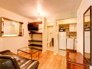 Great two bed apt, in Murray Hill