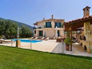 Holiday Villa Stathis with swimming pool in Sami