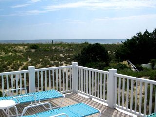 Ocean Front! North End! Extra Parking! Beach House!