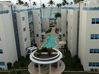 Luxury All-In 1, 2, 3-Bedroom Suites Beachfront Resort