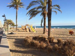 Calafell beach apartment. Wifi. Playa de Calafell