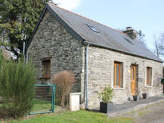 Roscoat, Daisie, a romantic, charming cottage in Central Brittany
