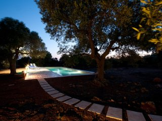 White pool villa, Alliste