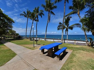 Maui Banyan Q204 2 bed/2 bath See it with 3D Walk through! By Kamaole Beach!