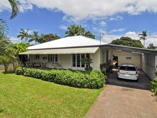 Large Family House & Garden, close to City Centre, Cairns