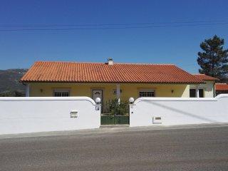 Maison à louer sur les hauteurs d'Alcobaça.