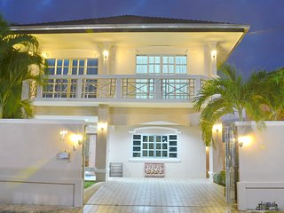 Rent Villa 77 Pattaya