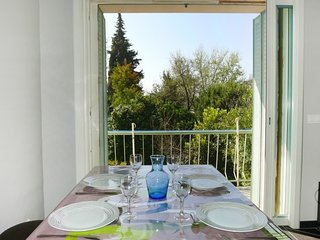 Apartment in the center of Le Lavandou with Air conditioning, Garden, Balcony