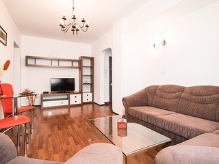 ★★★★Stylish Apartment - next to LIPSCANI & OLD TOWN, Bucharest