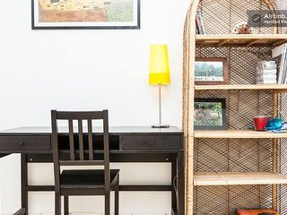 Copenhagen Apt Close to City Centre, Above a Grocery Store & Next to Public Tran, Copenhague