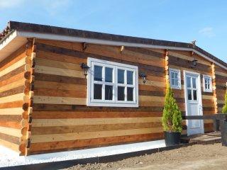 Preciosa Casa rural unifamiliar tipo Lodge junto al rio Alberche y finca privada