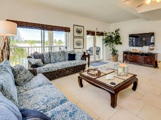 Waterfront half-duplex w/ 30-ft dock, shared pool, Cabana Club Membership!