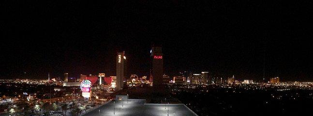 Strip fantásticas vistas desde el balcón del piso 27