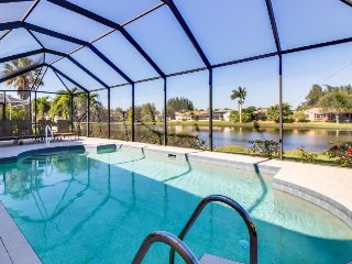 Stylish, lakefront home with private pool, and prime location, Fort Myers
