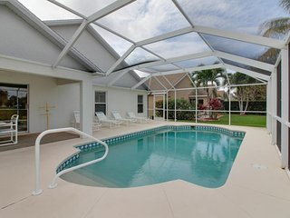 Quiet Fort Myers getaway w/ private, screened-in pool; close to beaches & golf