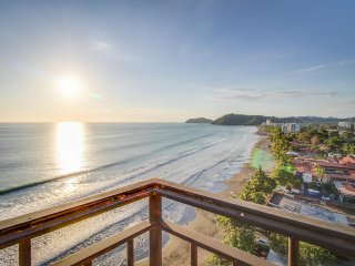 Luxurious oceanfront condo w/ breathtaking view & shared pool - walk to beach!