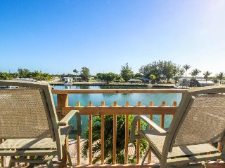 Dog-friendly bayfront home w/ 35-ft dock, ocean views & great fishing!, Marathon
