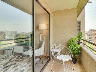 Cozy, modern condo in Las Condes near subway station, shops, & restaurants