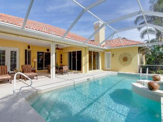 Elegant family retreat near the beach & 5th Ave w/private pool & hot tub!