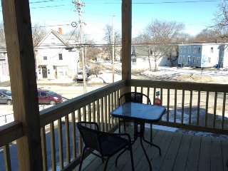 Inviting dog-friendly condo in Willard Square w/ a deck & grill!