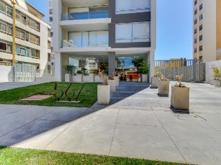 Depto moderno a pocas cuadras de la playa - Modern apt a few blocks of the beach