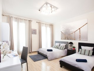 In the heart of Paris Montorgueil - 4 bedrooms apt - 180 sqm - metro in front, París