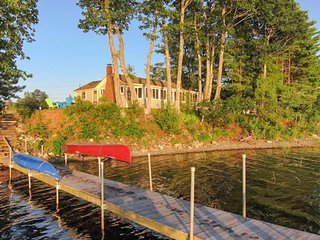 Exceptionally cute lakefront cabin w/ stunning views & dock - dogs ok!, Appleton