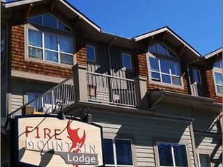 Canmore Fire Mountain Lovely 2 Bedroom Condo