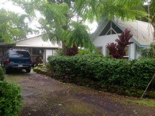 Beautiful 3 bedroom 2 bathroom Hawaiian home, LAVA viewing not far., Pahoa