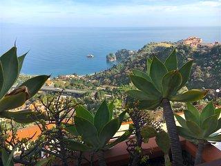 IKEBANA HOUSE with sea view terrace & free parking