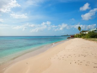 Coral Sands beachfront apt., Barbados, stunning West Coast, Speightstown