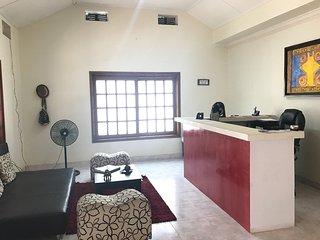 Habitaciones privadas con bano privado y compartidas