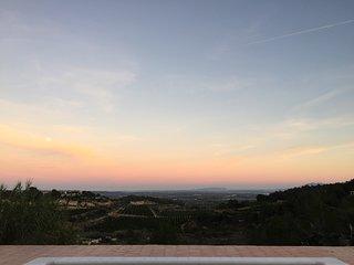 Modern villa with stunning far reaching sea views, Catadau, Valencia, Llombai