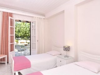 La Corfiota - Beach Garden Studio Apt in gorgeous villa at Corfu's west coast