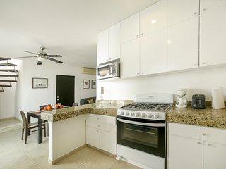Gav 302 Brand new kitchen and appliances