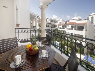 Gaviotas - Las Flores Properties  Great Deal, private rooftop and pool!, Playa del Carmen