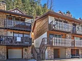 NEW! Red River Townhome w/Mountain Views!
