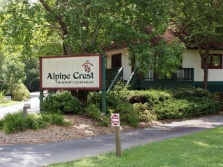 Alpine Crest - Fri, Sat, Sun check ins only!