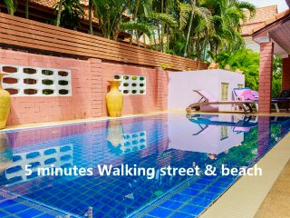 4 bedrooms villa near the beach and walking street