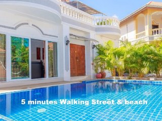 6 bedrooms villa near the beach and walking street