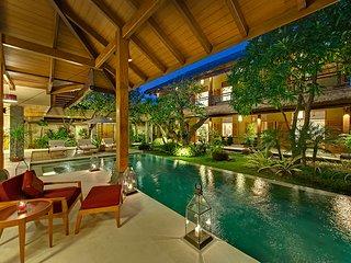 4br Fancy Pool & Jacuzzi❤ Private Villa at Seminyak