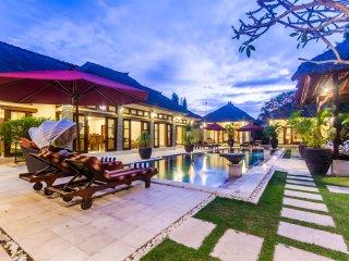 4 Bedrooms - Villa An Tan - Central Seminyak