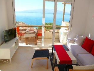 Unique holiday apartment sun - sea - love, Sarandë