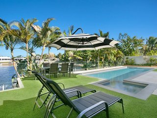 JUST IN PARADISE Waterfront 5 bedroom home with pool in great central location, Mermaid Waters