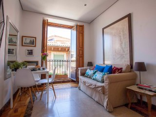 MEDITERRANEAN BALCONY VIEWS, historic LA LATINA