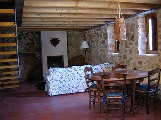 Los Lilos - Casa Piedra - Casas rurales de alquiler Sigüenza
