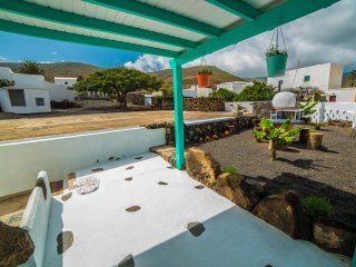 Casa Rural en pueblo tranquilo con amplios espacios al aire libre
