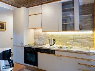 Cucina full optional: forno, lavastoviglie, bollitore, macchina del caffè, affettatrice..